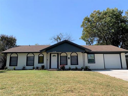 Photo of 1228 Airline Drive, Grapevine, TX 76051 (MLS # 14453679)