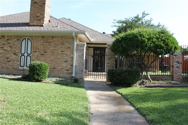 Photo for 1709 Cathedral Drive, Plano, TX 75023 (MLS # 13952685)