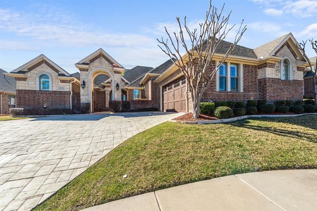 4932 Ridge Circle, Benbrook, TX 76126 - #: 14521703