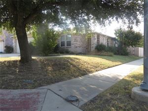Photo of 1932 Ramada Trail, Fort Worth, TX 76247 (MLS # 14197705)