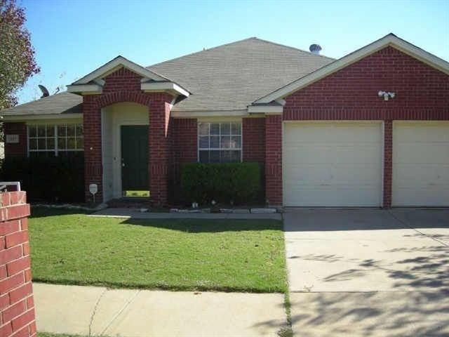 Photo for 1027 Ridgecrest Drive, McKinney, TX 75069 (MLS # 13819715)