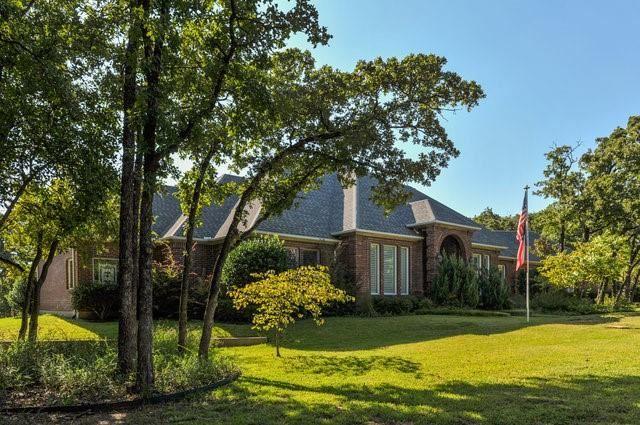 16 Twin Springs Drive, Dalworthington Gardens, TX 76016 - #: 14470716