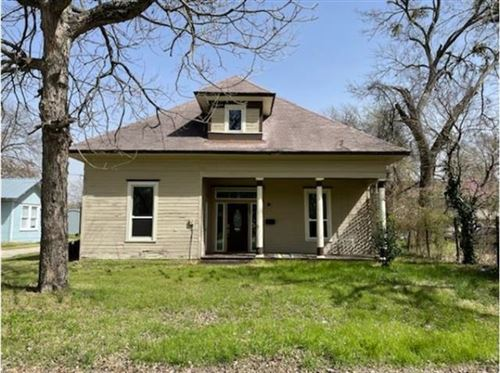 Photo of 500 N Virginia Street, Terrell, TX 75160 (MLS # 14551718)