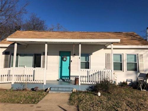 Photo of 408 N Mill Street, Weatherford, TX 76086 (MLS # 14503719)