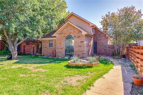 Photo of 212 Piccadilly Circle, Wylie, TX 75098 (MLS # 14207724)