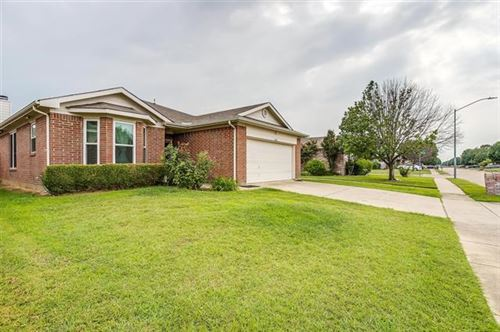 Photo of 1004 Buffalo Springs Drive, Fort Worth, TX 76140 (MLS # 14636730)
