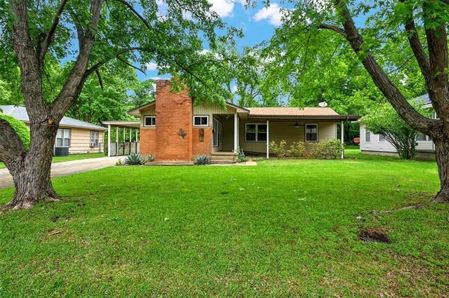 1107 W College Street, Sherman, TX 75092 - #: 14574732