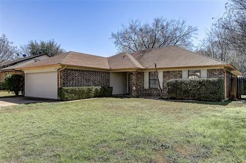Photo of 5920 Hillglen Drive, Watauga, TX 76148 (MLS # 14289734)