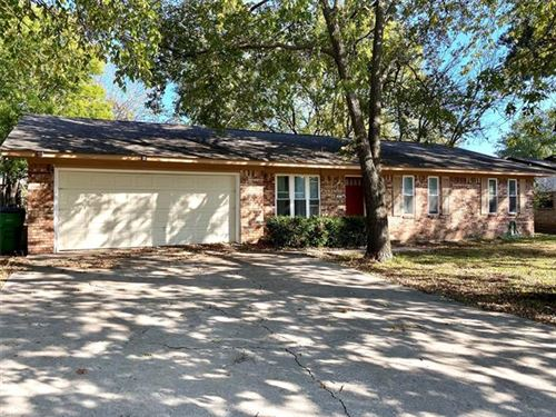 Photo of 27 Scotsmeadow Street, Gainesville, TX 76240 (MLS # 14459742)