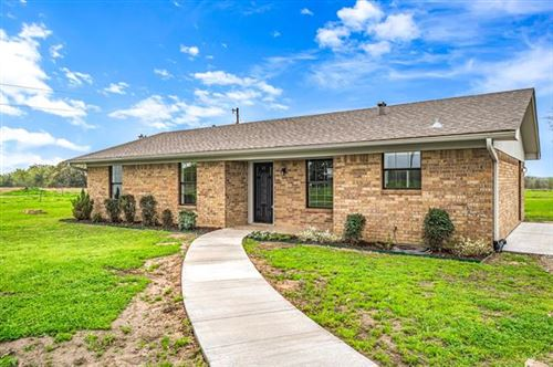 Photo of 304 VZ County Road 3503, Wills Point, TX 75169 (MLS # 14303743)
