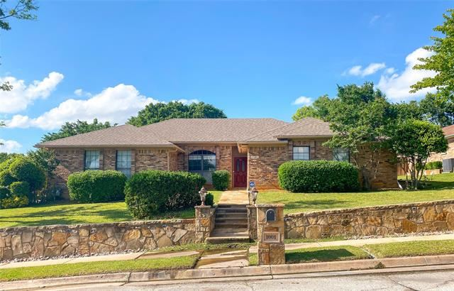 1001 Clear View Drive, Bedford, TX 76021 - #: 14574747