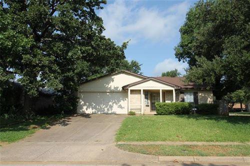 Photo of 2609 Underwood Lane, Euless, TX 76039 (MLS # 14475764)