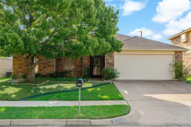 6709 Pecanwood Drive, Arlington, TX 76001 - #: 14634765