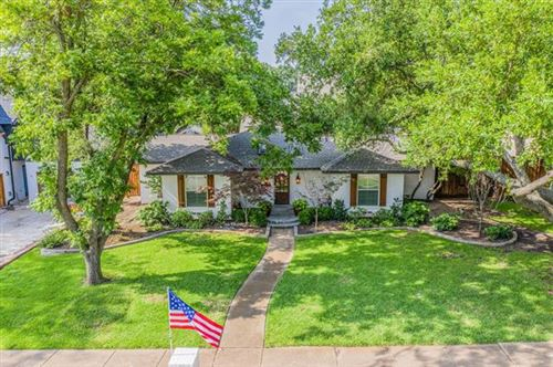 Photo of 407 Ridgeview Drive, Richardson, TX 75080 (MLS # 14379767)