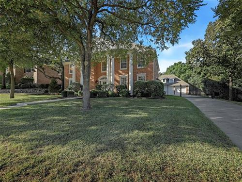 Photo of 145 W Chapel Downs Drive, Southlake, TX 76092 (MLS # 14444767)