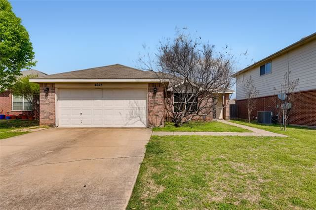 4921 Thorn Hollow Drive, Fort Worth, TX 76244 - #: 14542768