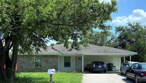 Photo of 1602 Moss Street, Gainesville, TX 76240 (MLS # 14623774)