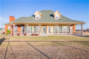 Photo of 2821 Clear Lake Road, Weatherford, TX 76087 (MLS # 13737775)