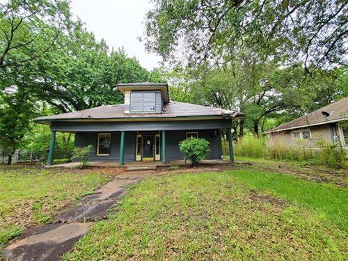 Photo of 608 N Catherine Street, Terrell, TX 75160 (MLS # 14582778)
