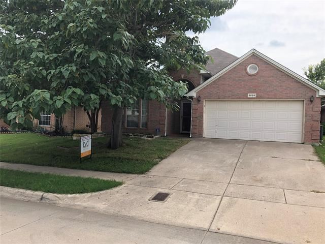 8829 Sunset Trace Drive, Fort Worth, TX 76244 - #: 14383780