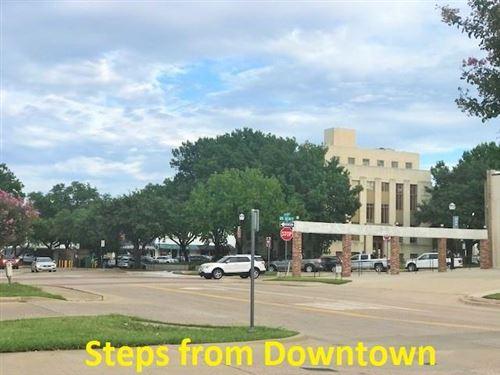 Photo of 106 W Kaufman, Rockwall, TX 75087 (MLS # 14665782)