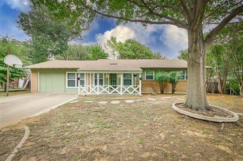 Photo of 511 Lynda Lane, Arlington, TX 76010 (MLS # 14690788)