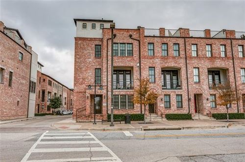 Photo of 610 S Pearl Expy, Dallas, TX 75201 (MLS # 14234793)
