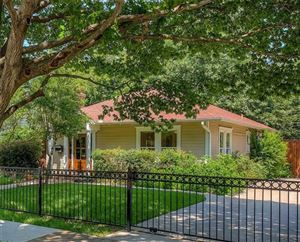 Photo of 832 N Winnetka Avenue, Dallas, TX 75208 (MLS # 14100794)