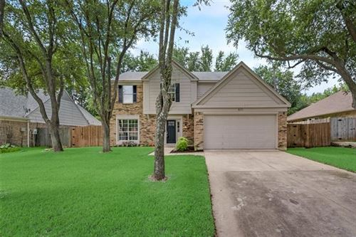 Photo of 621 Ashcroft Drive, Grapevine, TX 76051 (MLS # 14369796)