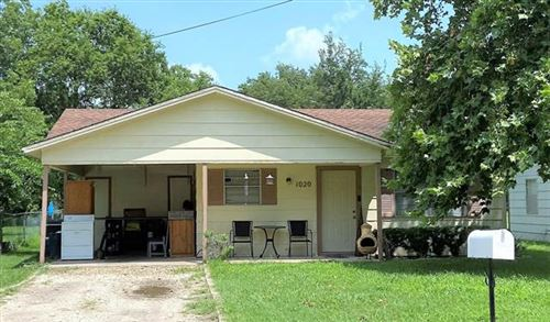 Photo of 1020 Lawrence Street, Gainesville, TX 76240 (MLS # 14623798)
