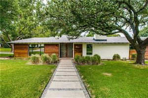 Photo of 6605 Lakeshore Drive, Dallas, TX 75214 (MLS # 14140800)