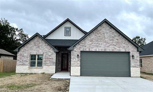 Photo of 121 Vaughn Lane, Quinlan, TX 75474 (MLS # 14637803)