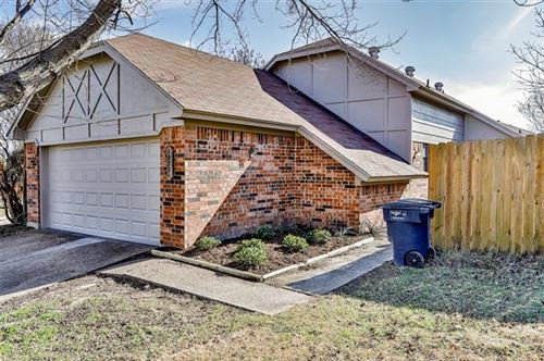 Photo of 10221 Holly Grove Drive, Fort Worth, TX 76108 (MLS # 14500804)