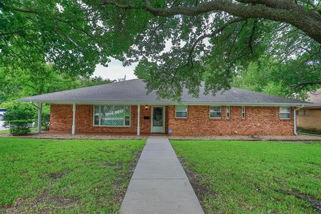 1220 Elmwood Street, Gainesville, TX 76240 - MLS#: 14514804