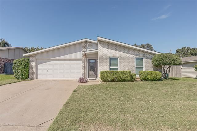 713 Spring Forest Drive, Bedford, TX 76021 - #: 14677804