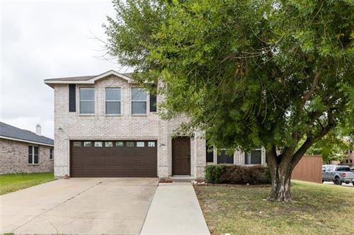 Photo of 2904 Santa Sabina Drive, Grand Prairie, TX 75052 (MLS # 14690807)