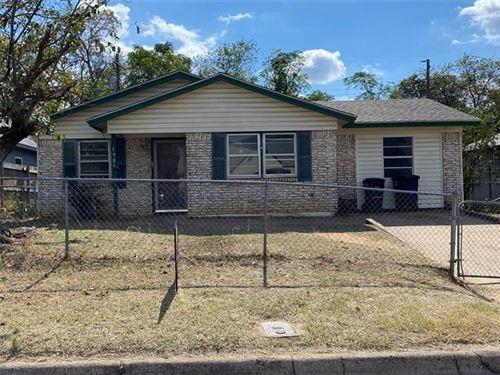 Photo of 1904 E Myrtle Street, Fort Worth, TX 76104 (MLS # 14694808)