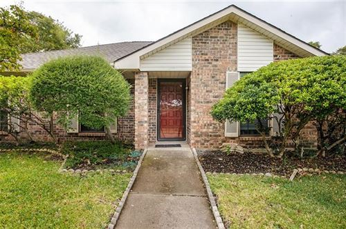 Photo of 1610 Saint James Drive, Carrollton, TX 75007 (MLS # 14689811)