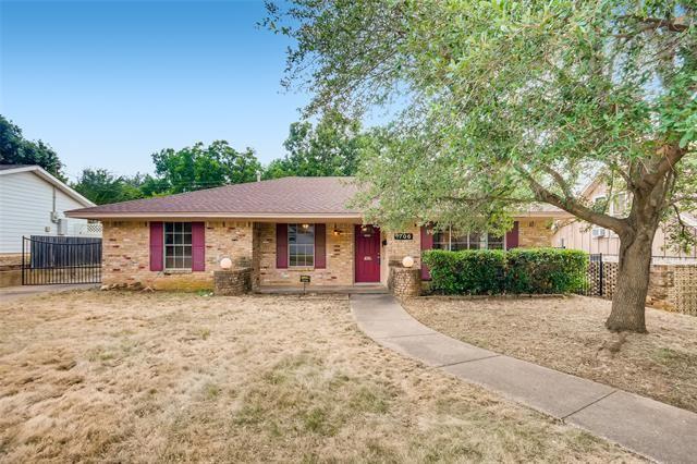 1706 Juanita Drive, Arlington, TX 76013 - #: 14635811