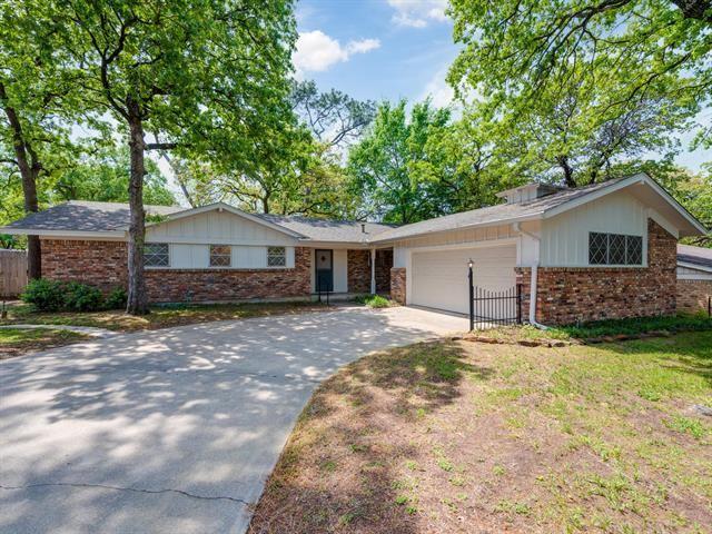 729 W Cheryl Avenue, Hurst, TX 76053 - #: 14556815