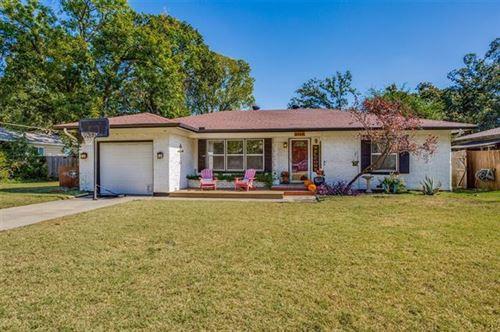 Photo of 2414 Robinwood Lane, Denton, TX 76209 (MLS # 14694816)