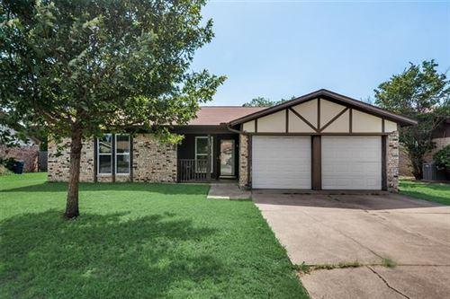 Photo of 7513 Meadowlark Lane N, Watauga, TX 76148 (MLS # 14374822)