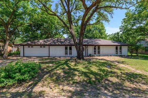 Photo of 410 E White Street, Pilot Point, TX 76258 (MLS # 14604822)