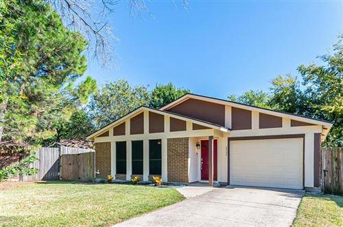 Photo of 5502 Knights Court, Lake Dallas, TX 75065 (MLS # 14694825)