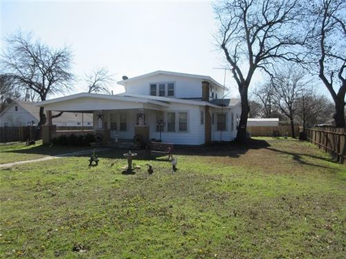 Photo of 708 S Main Street, Saint Jo, TX 76265 (MLS # 14279829)