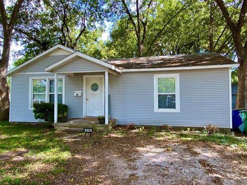 Photo of 516 Cynisca Street, Waxahachie, TX 75165 (MLS # 14673839)