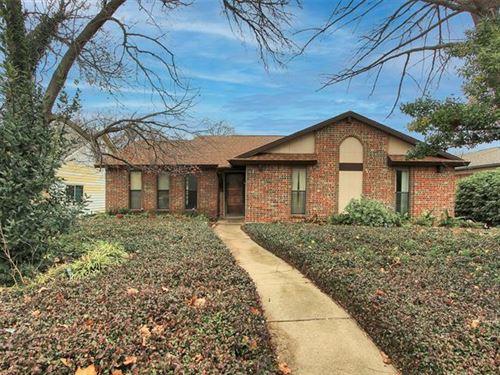 Photo of 2805 Holy Cross Lane, Garland, TX 75044 (MLS # 14503840)