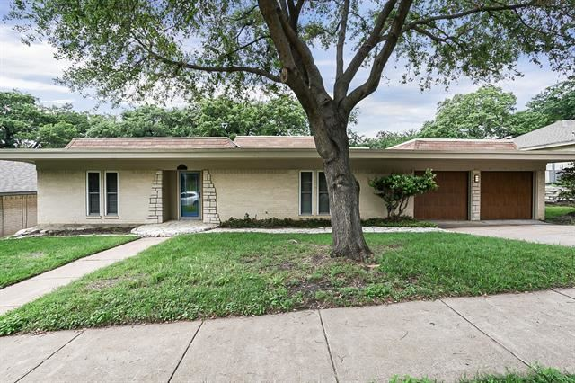 2209 Park Hill Drive, Arlington, TX 76012 - #: 14570851