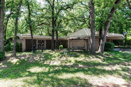 Photo of 2202 Los Robles Street, Grapevine, TX 76051 (MLS # 14433853)