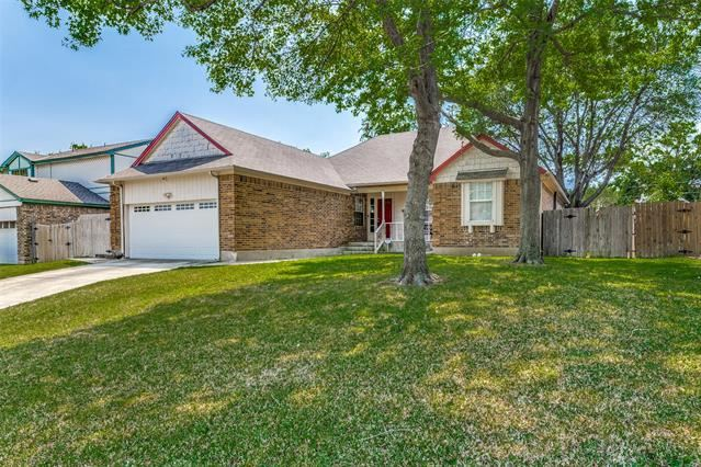 4902 Oak Springs Drive, Arlington, TX 76016 - #: 14555853